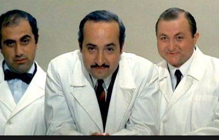 Dottori neolaureati e il vecchietto