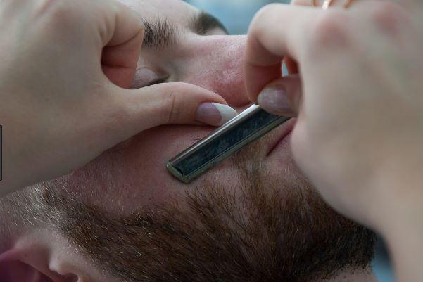 Un americano a Bari dal barbiere